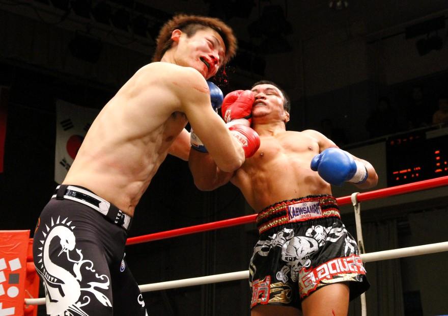梅野孝明 VS ボーウィー・ソーウドムソン