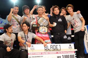 前回大会の-61kgトーナメントを制した小宮山工介