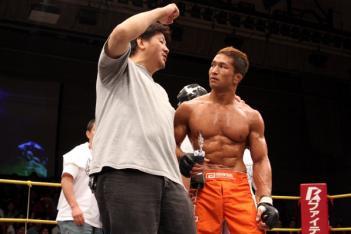 トレーナーの前田日明氏は、宮田に投げっぱなしジャーマンを薦めていた