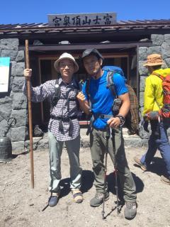 斎藤ドクター(左)と小池秀信