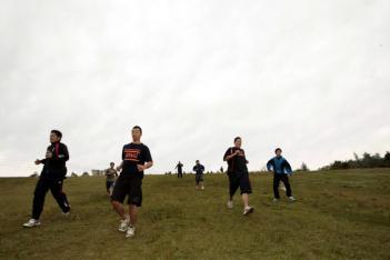 最終日の早朝トレーニングは標高1500Mのダボスの丘をダッシュ