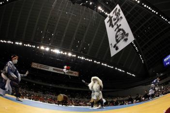 歌舞伎役者・中村獅童さんの演舞