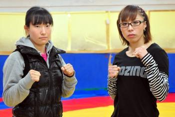 計量を終えた高林(左)と藤野(写真提供:石井晃 gravity - 女子格闘技ニュース)
