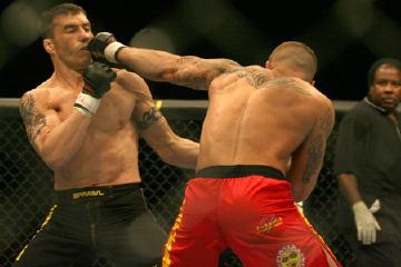 レポ&写真) [UFC] 8.6 ベガス:...